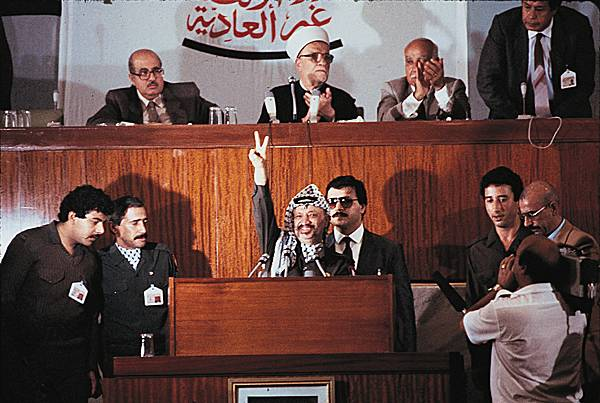 Conseil_national_de_lOLP_Alger_1988
