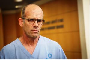 Le Dr. Ofer Merin, commandant des Hôpitaux de campagne du Corps médical de l'armée israélienne, et directeur du centre de traumatismes de l'hôpital Shaare Zedek de Jérusalem, le 11 octobre 2015. (Crédit : Hadas Parush/Flash90)