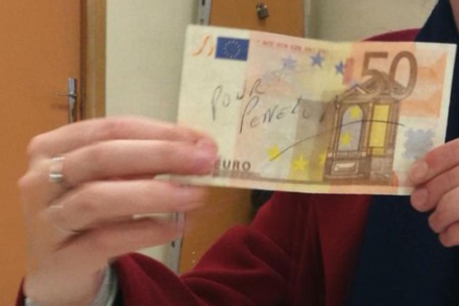 Affaire Fillon : il glisse dans l'urne un billet de 50 €