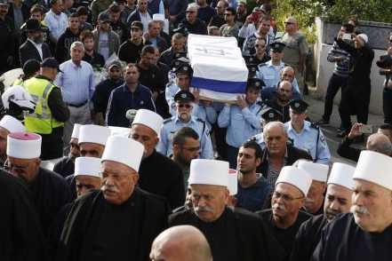 La polémique sur les détecteurs de métaux persiste — Esplanade des Mosquées