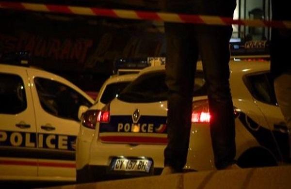 Une voiture fonce dans une pizzeria près de Paris, un mort