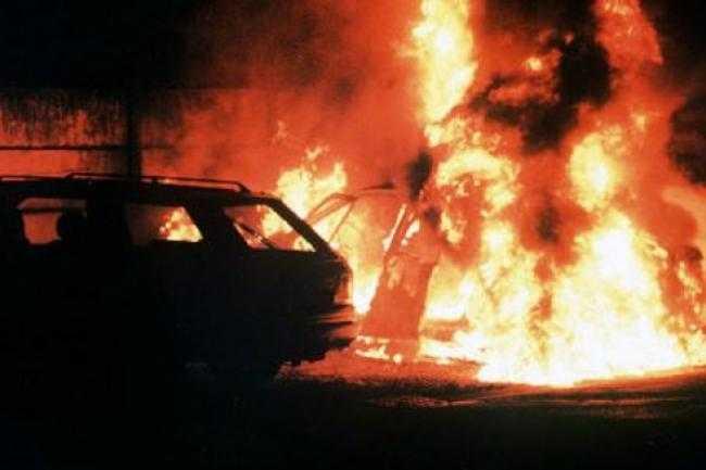 250 voitures brûlées en région parisienne durant la nuit de la saint