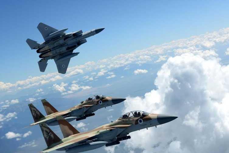 Israël attaque la Syrie et bombarde Damas — Escalade militaire