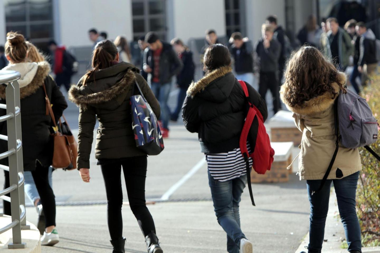 Deux lycéens grièvement blessés à l'arme blanche par un autre adolescent — Marseille