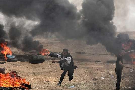 Émeutes à la frontière avec Gaza : 1 Palestinien mort ; 167 blessés