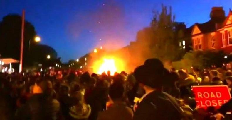 Une dizaine de personnes légèrement blessées par une explosion — Londres