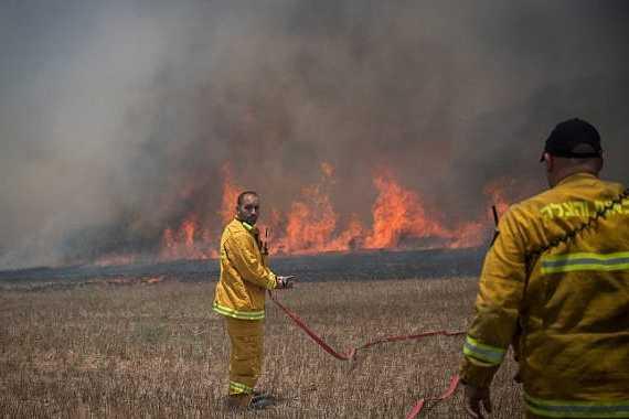Israël frappe 25 objectifs en riposte à des tirs de roquettes — Gaza