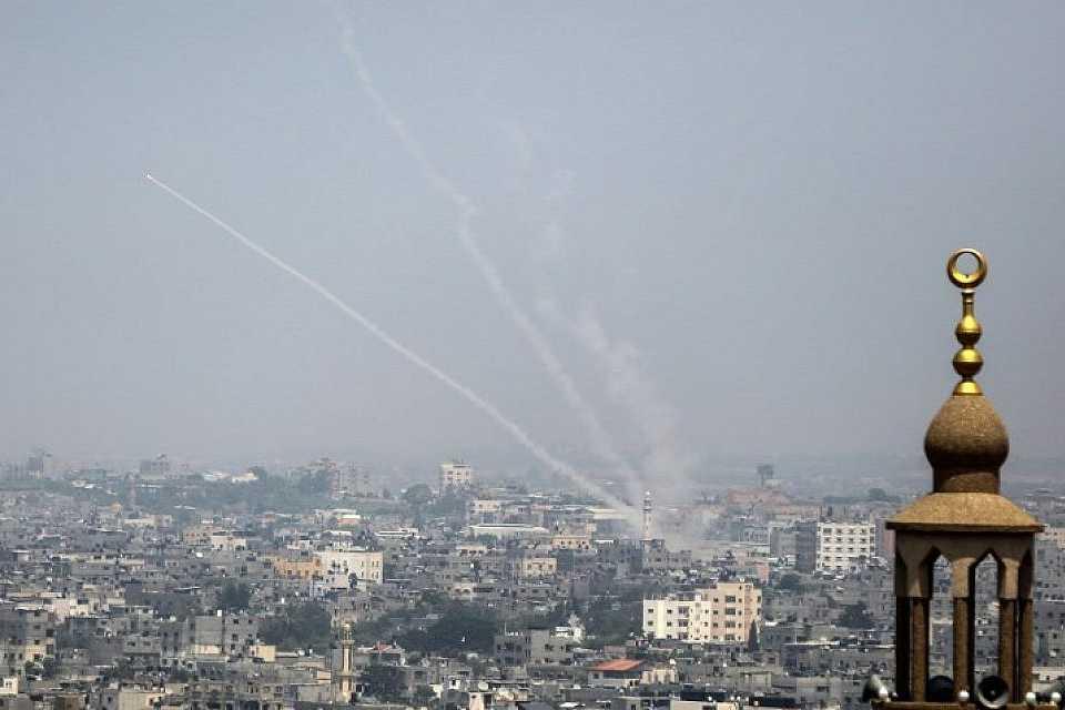 Israël bombarde massivement Gaza, quatre Palestiniens et un Israélien tués