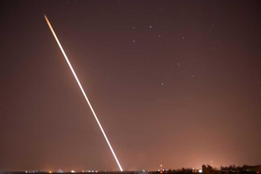De nombreuses roquettes frappent Israël, qui riposte — Gaza