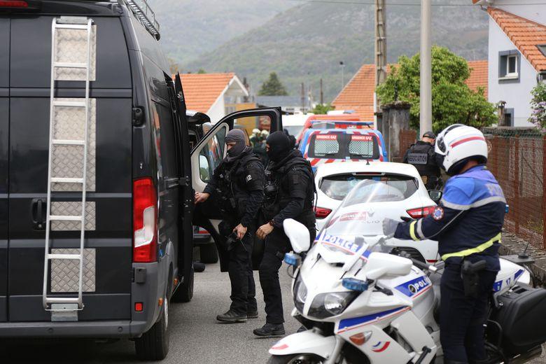 Une cantinière agressée à l'arme blanche dans une école élémentaire — Marseille